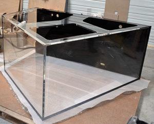 Aquarium Acrylique en Plexiglass sur mesure 2500 litres fond noir